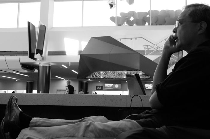 Airport street photography📷 LAX Hanging Out Check This Out Taking Photos Cheese! Hello World Eyemphotography California Taking Photos Eye4photography  Skylight Fujifilm_xseries Passenger That's Not Me Faces Of EyeEm