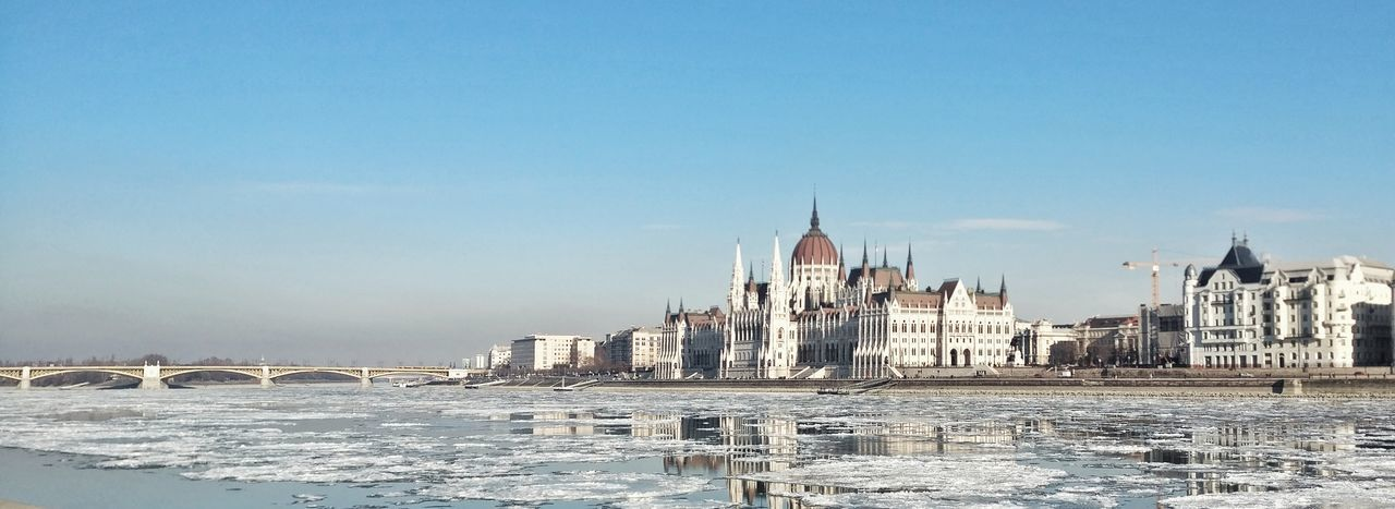 Politics And Government Government Architecture Sky Travel Destinations Day No People City Outdoors Water Snow Parlament Parliament Hungary Budapest Freeze Frozen River Ice Danube Frozen Cold Cold Temperature Bridge - Man Made Structure Winter Nature