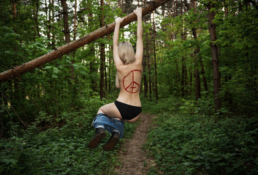 Devil is Fine Blonde Green Linas Was Here Nature Trees Black Pants Blue Jeans Forest Model Tattoo Toplesswoman Wild Woods The Great Outdoors - 2018 EyeEm Awards Be Brave