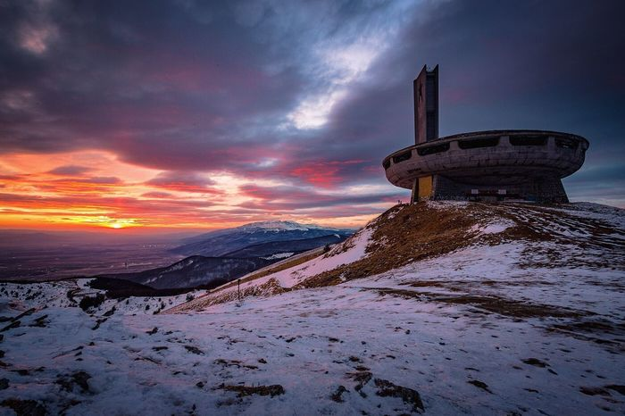 Buzludzha✌🏻️✌🏻✌🏻 Snow Winter Cold Temperature Cloud - Sky No People Outdoors Extreme Weather Sunset Sky Winter Amazing Photography Architecture Travel Best EyeEm Shot Best Of EyeEm Nature Scenics Adventure EyeEm Gallery UFO Crazy Architecture Socialist Architecture Architecture_collection Architectural Feature