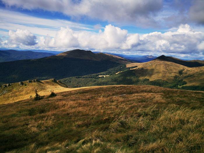 Autumn in the bieszczady mountains poland. mountain trails in the bieszczady mountains.