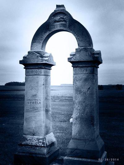 Amazing gravestone... Ilovecemeteries IPhoneography Cemetery Noir