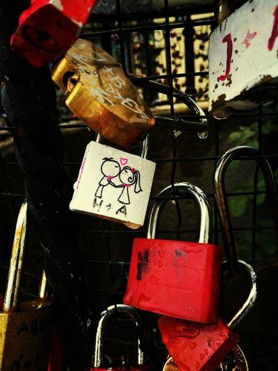Love ♥ Wien Locks Boy And Girl