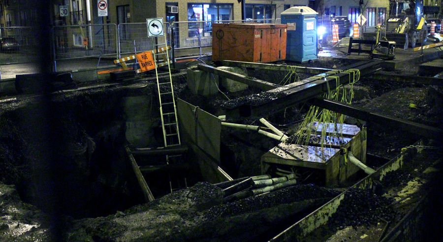 Photos taken in and around Montreal, fall of 2018. Montréal City Urban Streetphotography No People Built Structure Metal Abandoned Night Equipment Industrial Equipment Construction Construction Site Hole In The Ground Sewer Digging Bulldozer Safety