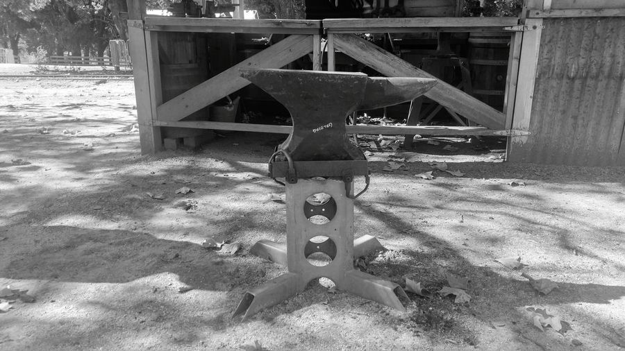 No People Day Outdoors Nature Horizontal Anvil Old West  Black And White Black Smith Urban Photography Metal Metal Work Archaic Old Fashioned. Old-fashioned Lost Art Smithing