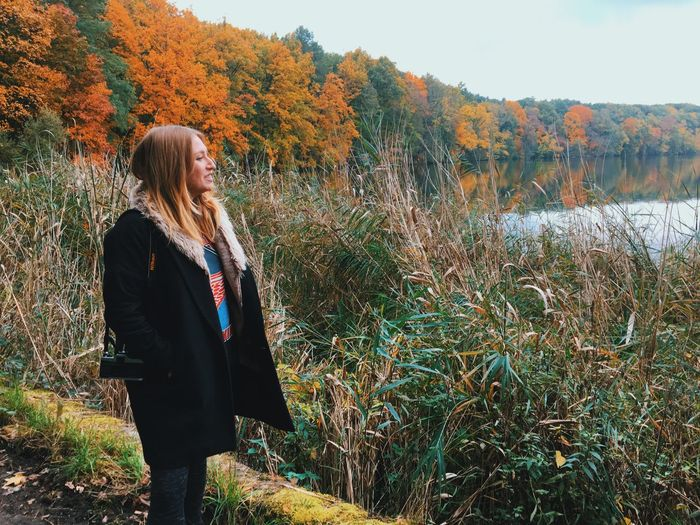 Autumn Nature Tree Person One Person Change Standing Beauty In Nature Adult Grass One Woman Only Field Only Women Young Adult Outdoors People Horizontal Sky Day