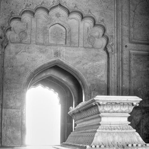 At some point, everyone must travek back to the light. Ancient Civilization Arch Architectural Column Architecture Building Exterior Built Structure Day History Mughal No People Outdoors Statue The Secret Spaces Tomb Travel Destinations