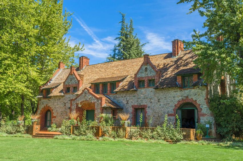 """""""Empire Cottage"""" - I found the Empire Cottage exterior to be absolutely beautiful. I can only imagine what the inside looks like. Empire Cottage Cottage Architecture Empire Mine Garden California"""