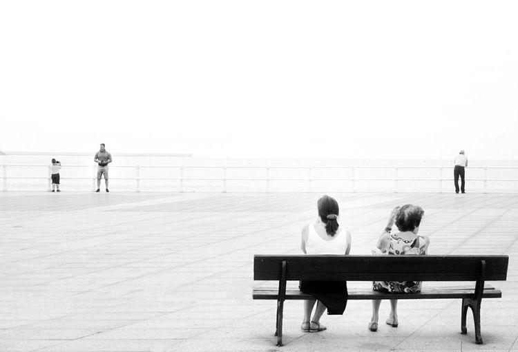 Minimalobsession Minimal Blackandwhite Monochrome White Streetphotography Streetphoto_bw Mi Serie Gijón Mi Serie Minimal