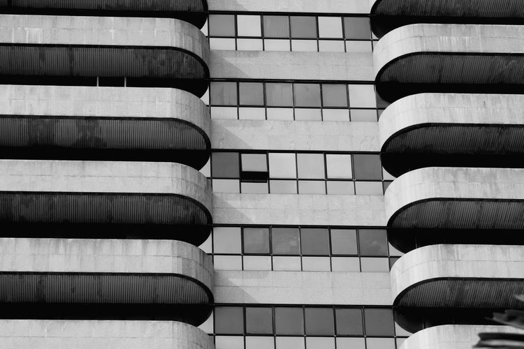Outdoors EyeEm Minimalism EyeEmNewHere EyeEm Gallery Minimalism Minimal Minimalist Minimalist Photography  Minimalism_world Minimalism Photography EyeEm Best Shots Building Building Photography Blackandwhite Black And White Blackandwhite Photography Black And White Photography Backgrounds Full Frame Stack City In A Row Architecture Built Structure Building Exterior Close-up Time