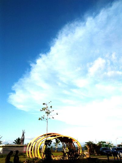 as fine as the weather 🌲⛅🌞 Children'spark Blue Flying Arts Culture And Entertainment Amusement Park Tree Sky Cloud - Sky