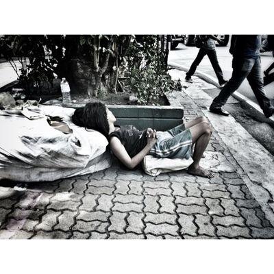 Igbest Monochrome_asia IGDaily Bnw_city Igmanila Bnw_manila Bnw_philippines Ig_philippines Blacknwhite_perfection Stranger Streetstyle Streetphotography nepumoceno st.manila