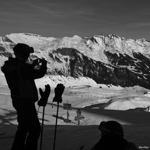 Hanging Out Blackandwhite Snow Skiing Bws_worldwide Ee_daily Bwstyles_gf EE_Daily: Black And White Eye4black&white