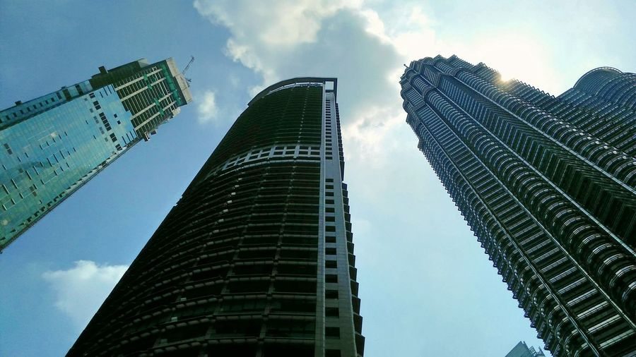 Skyscraper Sky Modern Architecture The Street Photographer - 2017 EyeEm Awards Worldwide_shot EyeEmNewHere Mobilephoto Visionphotography The Architect - 2017 EyeEm Awards Architecture Travel Destinations EyeEm Vision Indianphotographer Magazine Low Angle View Built Structure Cloud - Sky 808pureview Nokia808Pureview Nokia808 Nokia  Urban Skyline Nokia