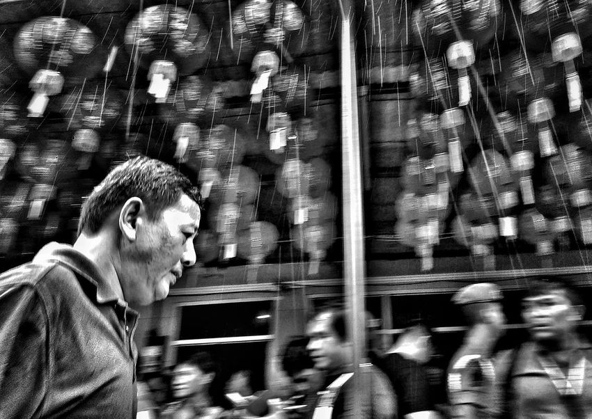 Indonesia Indonesia_photography Street Photograhy International Indoors  Traditional Clothing Lifestyles Street Photographers Apf Megazine Street Indonesia Street Photography Outdoors Real People Chinesenewyear2017 Men Street Photography Only Men Close-up BackgroundsStreet Photo Bw This Is My Street Black And White Photography
