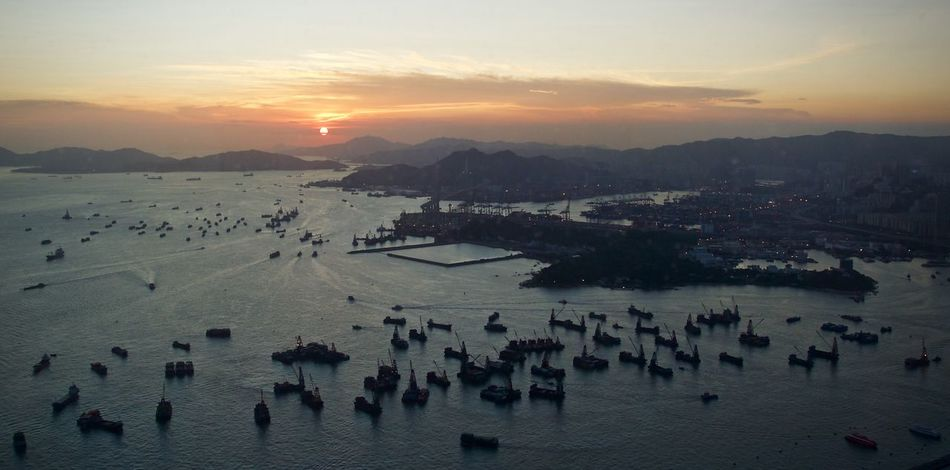 Cloud - Sky Hong Kong Idyllic Scenics Sky Sun Sunset Travel Destinations Victoria Harbour Hong Kong Harbour A Bird's Eye View Colour Of Life Color Of Life Color Of Life!