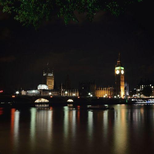 Have a super weekend all 💫 London Taking Photos Popular Photos Bigben Elizabethtower England Reflection Enjoying Life Creative Light And Shadow