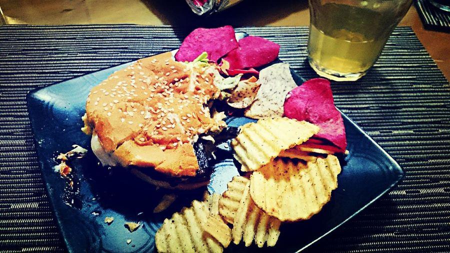 Portobello hamburger with veggie chips Yummy!! Food Porn Life In Color Veggie