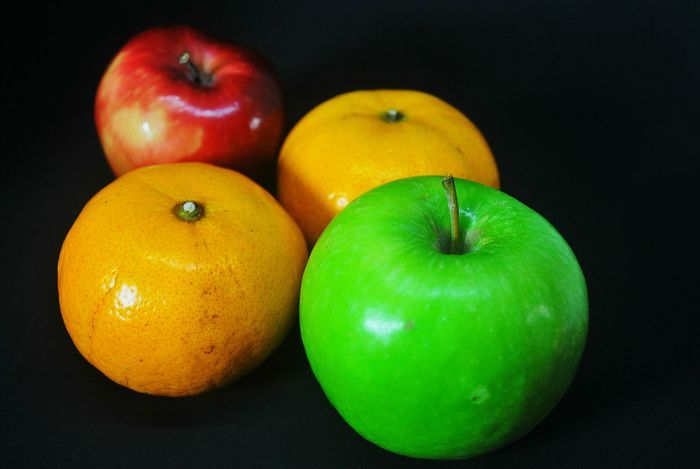 Fruit Healthy Eating Apple - Fruit Food And Drink Green Color Food Freshness Indoors  Granny Smith Apple Red No People Close-up Black Background Day Dessert Still Life Red Apple Fruit Red Apple Apple Fruit Apple Studio Shot Freshness
