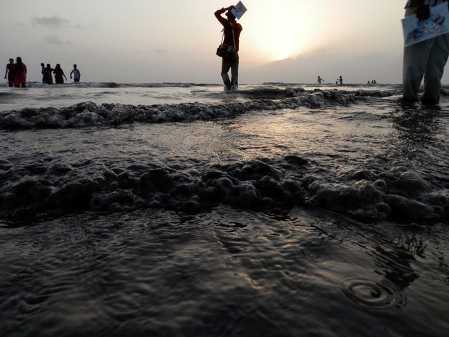 MumbaiDiaries Beachphotography Sunsetbythesea🌅 Sunreflection Wave Pattern Beach Waves Beauty In Nature Feel The Journey
