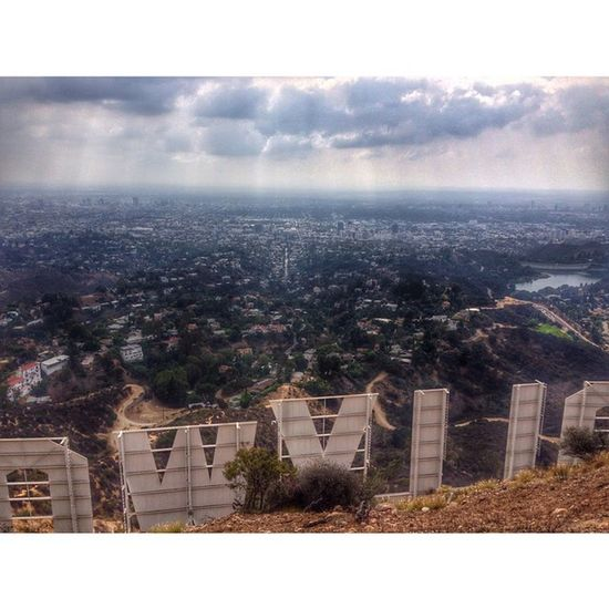 Gloomy days are the best👌DiscoverLA Losangeles Conquer_la Welikela Hollywoodsign JJ_LosAngeles Nikon Nikontop