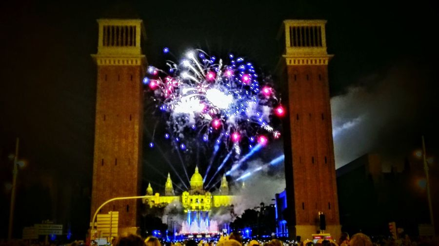 Barcelona Festesdelamerce Fireworks Fireworks In The Sky Fireworks Festival Fireworks Photography Sky City Life Firework Display Architecture Famous Place Multi Colored Night Fuegos Artificiales Fuegosartificiales Focs Artificials