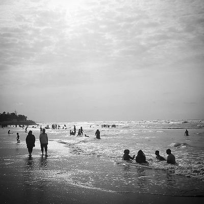 😚 People sweeming in a beach near Babolsar , Mazandaran , Iran Everydayiran Everydaymazandaran Summerfinished Bw Beach Sea بابلسر