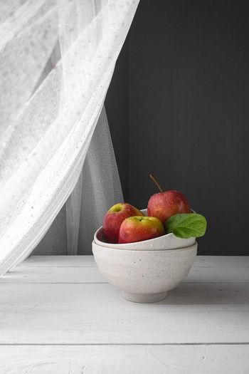 Apple in bowl
