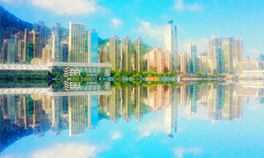 At Hongkong ปล.เล่นไงอ่ะ HongKong Travel Photography Mobilephotography Hkig Miror Pic Best Journy ASIA Rsa_streetview Urban Landscape Urbanexploration