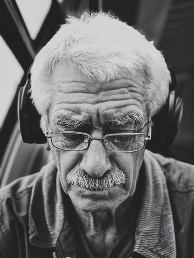 מיישחורלבן Mydtrainmoments Mytrainmoments ShotOnIphone IPhoneX מייאייפון10 One Person Real People Males  Portrait Headshot Front View Senior Adult Analogue Sound