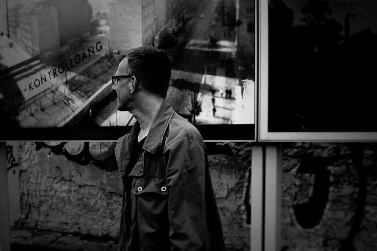 Kontrollgang! @fholznag on inspection round 😉 Peoplephotography Portrait People Of EyeEm Monochrome Eye4black&white  Berlin Darkness And Light Fortheloveofblackandwhite Myfuckingberlin Berliner Ansichten