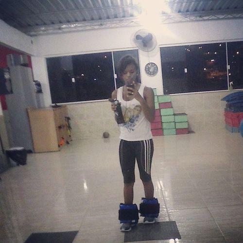 sozinha na minha academia , isso é um sonho *-* Hipertrofia Boramalharfrango Fitness M úsculos