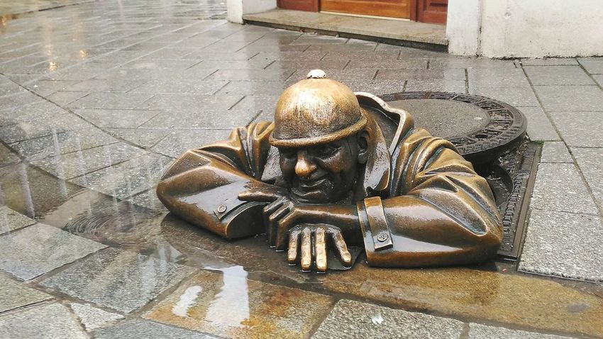 Human Representation No People Sculpture Outdoors Statue Architecture Close-up Cumil Bratislava Slovakia Bratislava Slovakia Slovakia🇸🇰 Art Man At Work Day