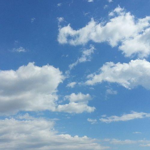 Kucukken resimlerde cizdigim gibi😊☁ City Istanbulda Istanbul Sehir Instagram_turkey Bulut Gokyuzu Clouds Sky Naturelovers Nature_perfection White Blue Turkishfollowers Turkiyeinstagram Aniyakala Zamanidurdur Instamood Istemood Instadaily Tr_turkey