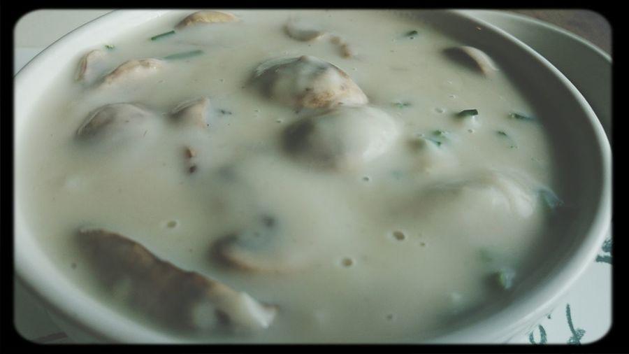 Hving A Soup con Champignons
