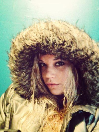 Hi! Taking Photos feelin like an eskimo! :) Modeling