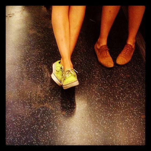 81. Feet Inconversation Metro Paris france belleville shoes