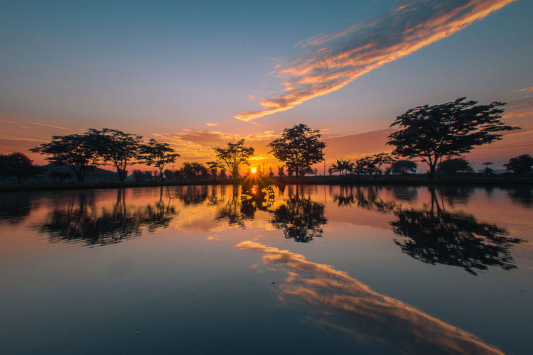 Reflection Sunset Water Lake Nature Scenics Beauty In Nature Sky Tree Silhouette