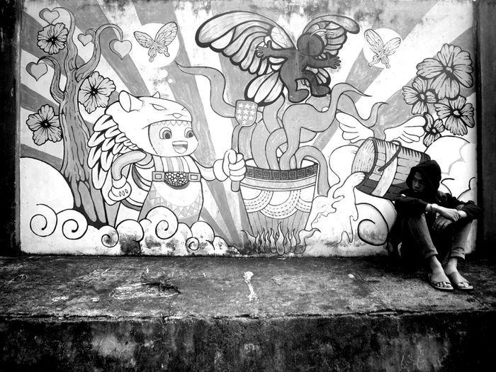 Ayoola,.. Dunia masih terlalu luas untuk kau jajaki.. That's Me Blackandwhite Streetphotography When I Was Forgotten