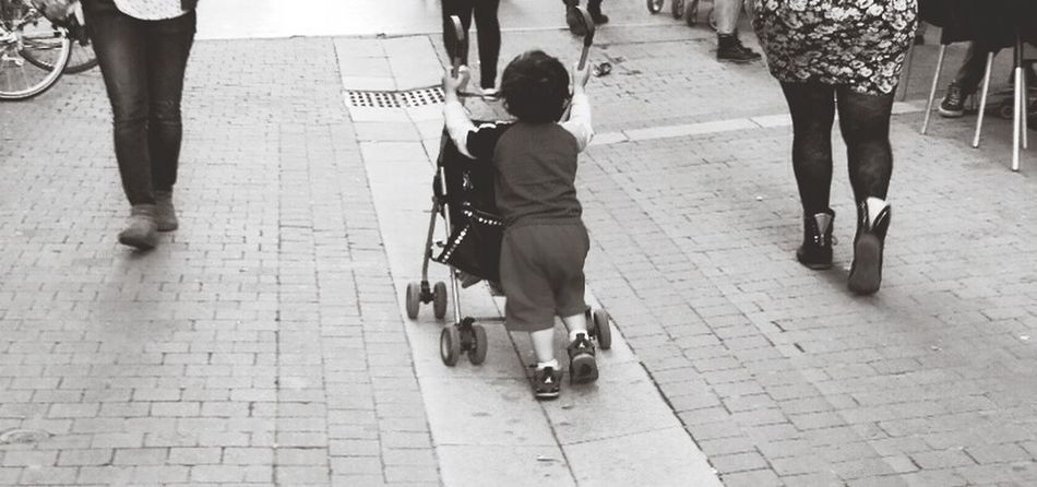 Kids NX300 Streetphoto_bw