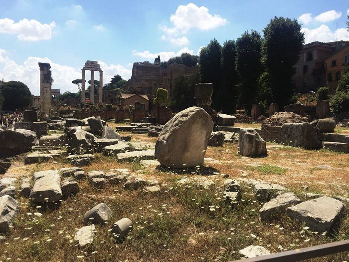 Ancient Civilization The Past Sky No People Cloud - Sky Italy Ancient Ruins Roman Forum Rome Day History Old Ruin Outdoors Destruction Landscape Graveyard Gravestone Nature