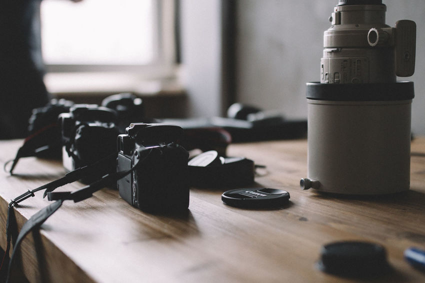 Camera Cameras Canon Canonphotography Close-up Control Detail Equipment Hobbies Indoors  Large Group Of Objects Lens Lenses Part Of Photography Themes Selective Focus Still Life Table Technology VSCO Vscofilm Workshop