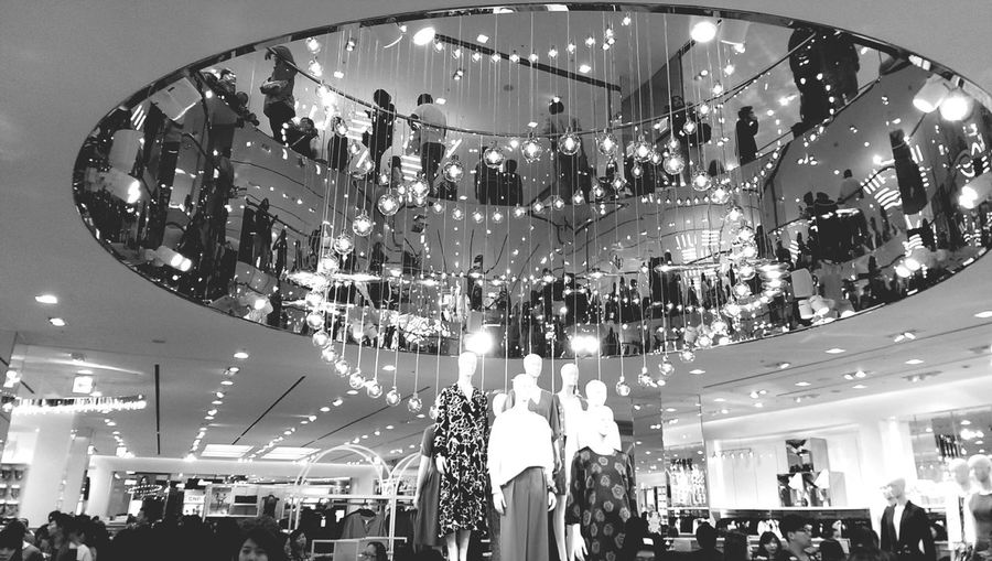 台北微風廣場 Blackandwhite Shopping Fashion 新年快樂