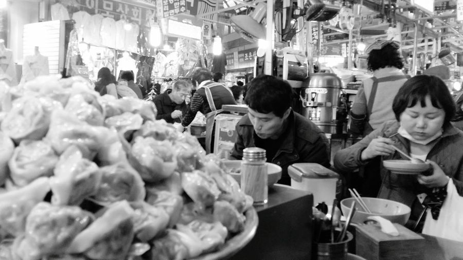 Mandu Seoulstreetphotography Streetphotography Kr_streetphotography Dumplings Foodphotography Jogno-gu Kwang Jang Market Seoul South Korea Seoulspring2017