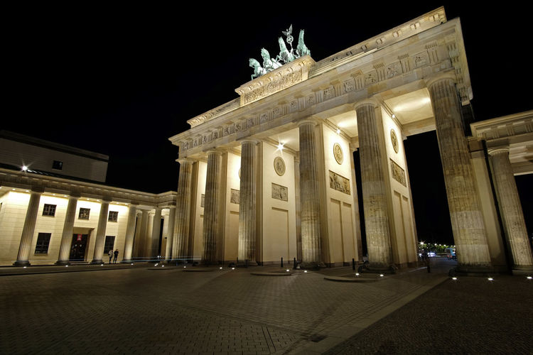 Berlin Berlin Photography Brandenburg Brandenburg Gate Architectural Column Architecture Brandenburger Tor Building Exterior Built Structure City City Gate Citylights Discover Berlin Germany History Illuminated Light And Shadow Low Angle View Monument Night No People Outdoors Sculpture Tourism Travel Destinations