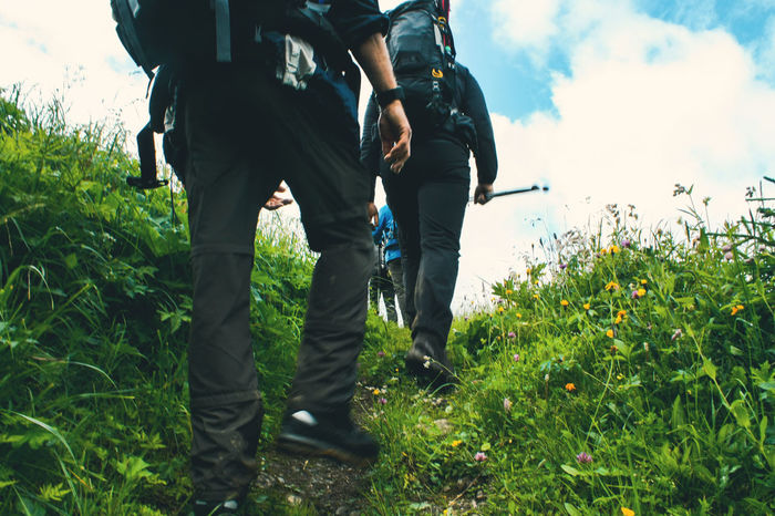 Schritt für Schritt Adventure Alpen Backpack Climb Day Field Grass Growth Hiking Hiking Trail Low Section Nature Outdoors Real People Riesenrad Rucksack Schritt Shoes Sky Step By Step Togetherness Walking Walking Boots Wandern Second Acts Perspectives On Nature