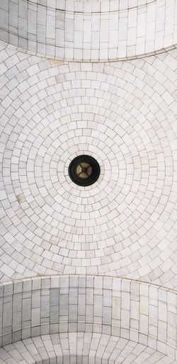 Low angle view of an arched ceiling at Union Station, Washington DC Ceiling Arched Architecture Historic Low Angle View Low Angle Pattern Full Frame Textured  Circle Geometric Shape Weathered Architectural Detail Chandelier Architecture And Art Interior Recessed Light Architectural Design Civilization The Architect - 2019 EyeEm Awards