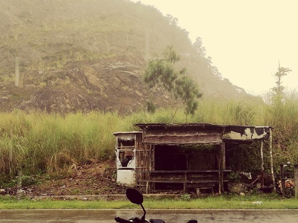 Abandoned Built Structure Architecture No People Tree Water First Eyeem Photo Nofilter Mobilephotographyphilippines Nature Outdoors Rainyweather Travelphotography Travelgrams Pinasmuna Travelblog
