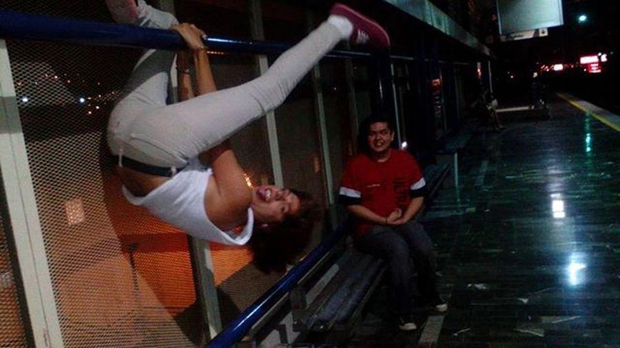 Yo cuando Viajo en el Metro Monterrey Mexico Gay Gaypride Gayboy Gays GayLove Gayguy Fashion Amigas Noche Night NoMamen