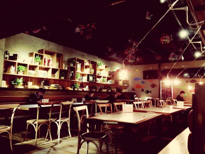 It's a fantastic place, full of good dishes. Haha! It's a fish roasting restaurant. ? Fish Restaurant Xi'an Food Roast Retro